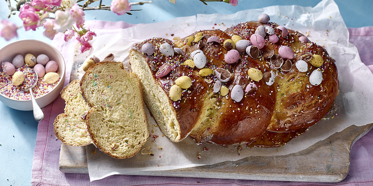 Chocolate egg bread