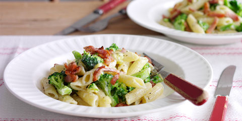 Stilton broccoli and bacon pasta
