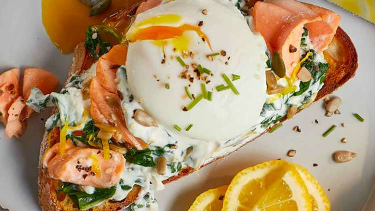 Tea-poached salmon with eggs