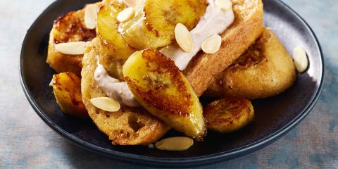 Cinnamon French toast with ricotta and bananas