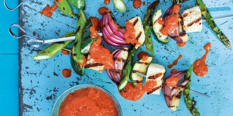 Asparagus and halloumi kebabs