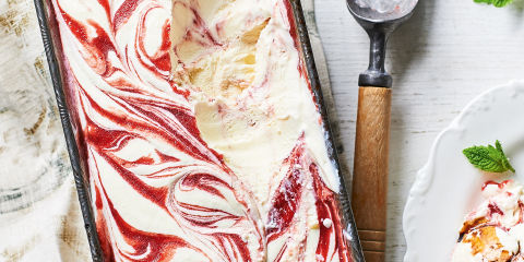 Strawberry and balsamic vinegar no churn ice cream