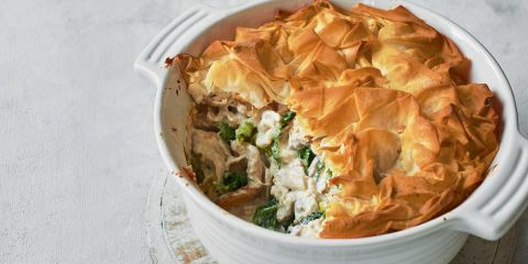 Chicken and savoy cabbage pie