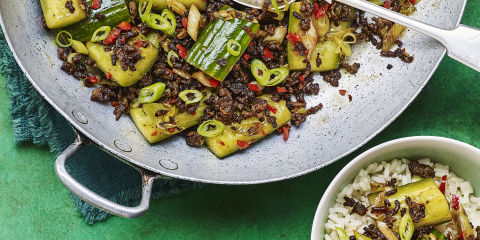 Smashed cucumber & beef stir fry