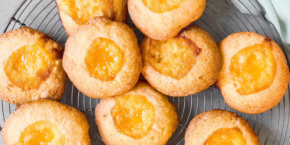 Lemon curd thumbprint cookies