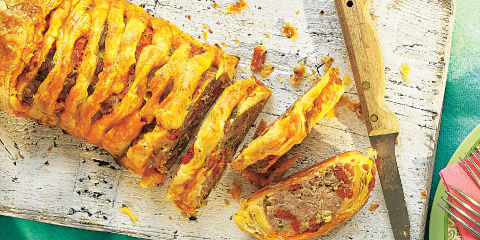 Spicy spanish sausage plait