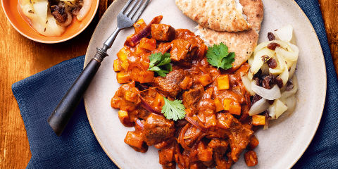 Lamb curry with pear chutney
