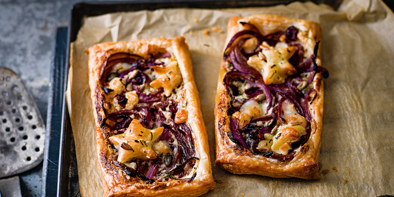 Red onion and mascarpone tarts
