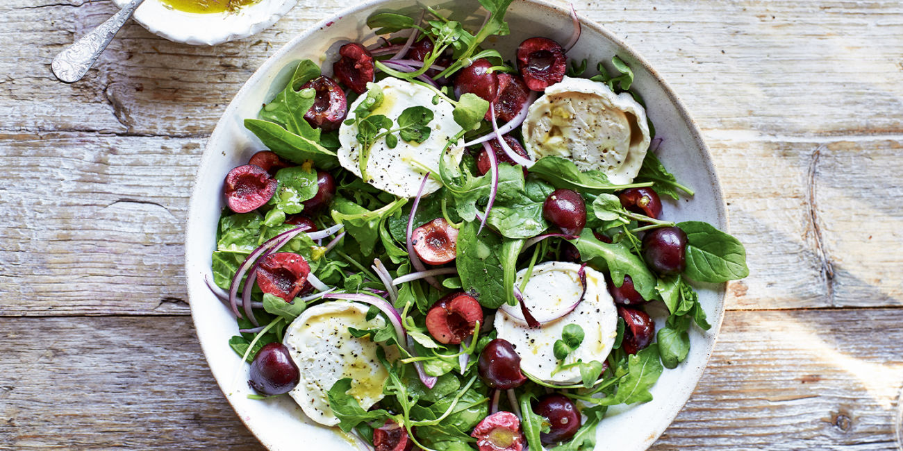 Cherry and goat's cheese salad with herby dressing