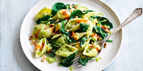 Creamy avocado and sweet chilli pasta