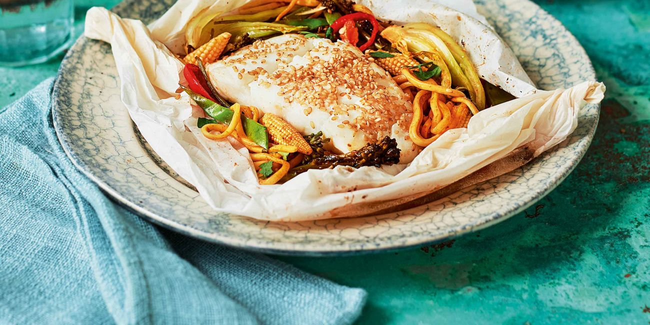 Baked hoisin fish parcels