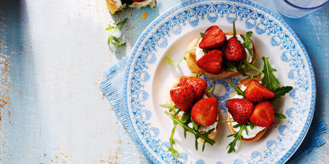 Strawberry and goat's cheese bruschetta