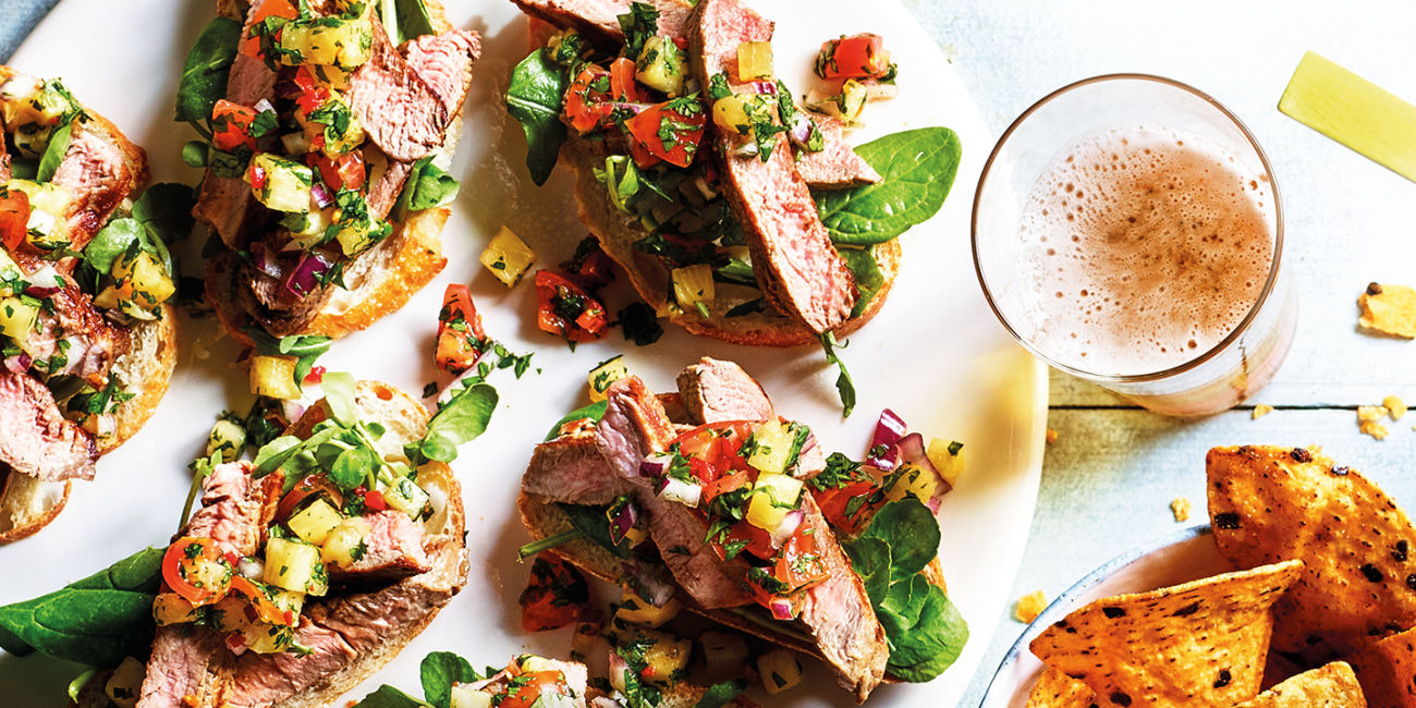 Steak sandwich with pineapple and chilli salsa
