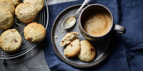 Banana and bacon cookies