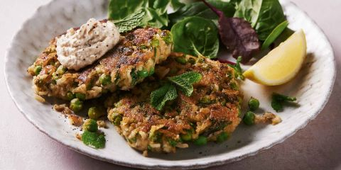 Vegan houmous and pea fritters