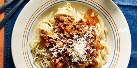 Spaghetti bolognese with anchovies