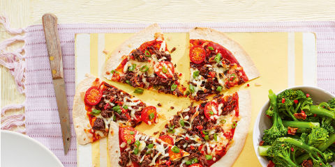 Easy chilli beef pizzas
