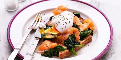 Smoked salmon, spinach and egg