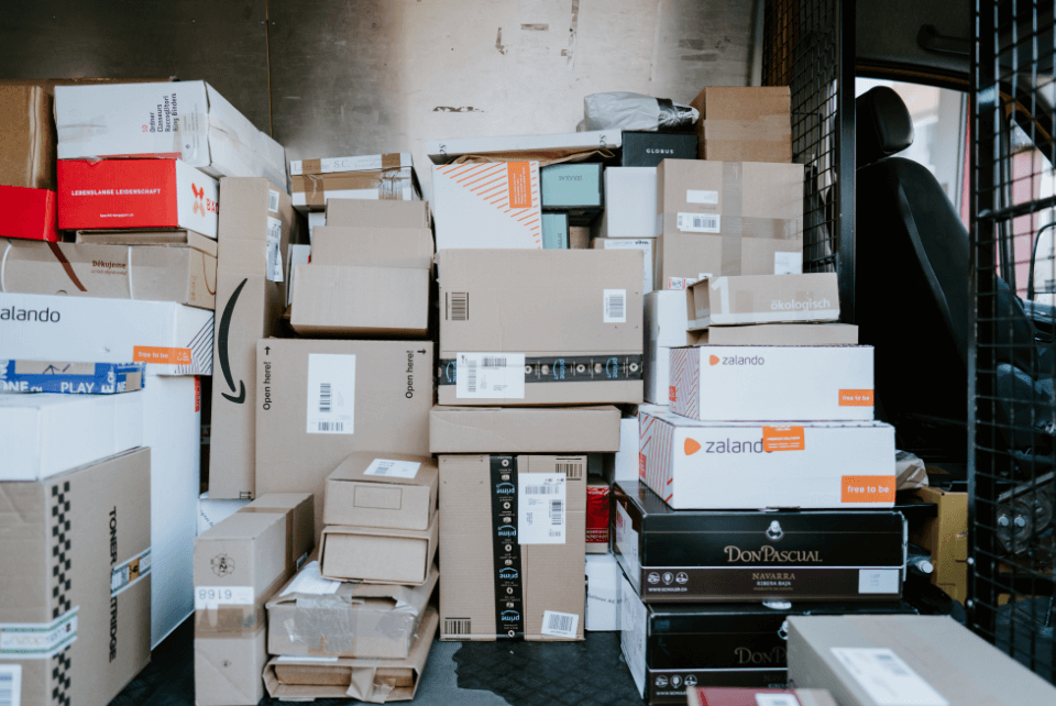 how-to-keep-holiday-packages-from-getting-lost-in-your-mailroom-.png