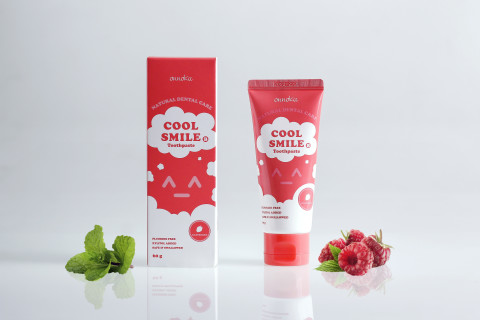 Mumsandbabes - Onnoka Cool Smile B Training Toothpaste Raspberry 60 Gr