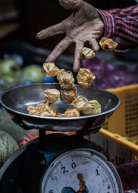 Explore the back alleys of Old Bangkok on our chef-designed food tour