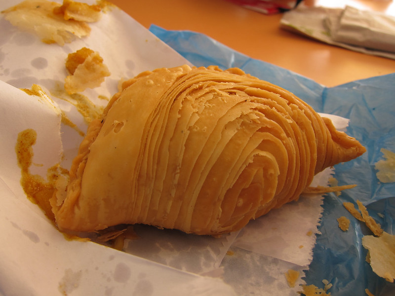curry puff - best hawker food in Singapore
