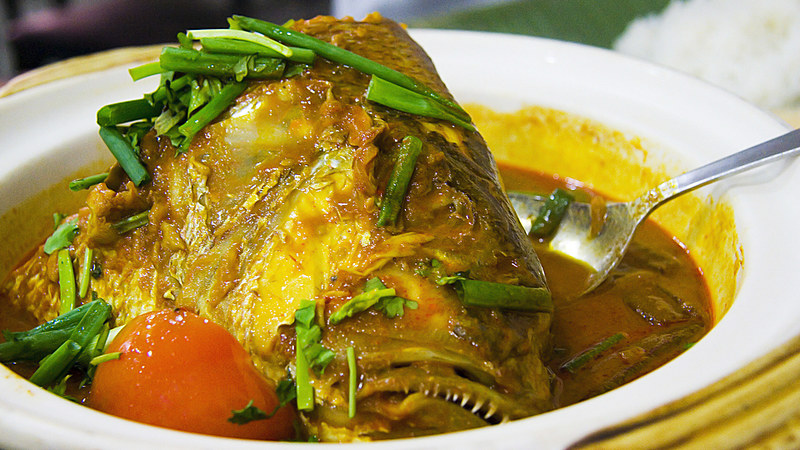 fish head curry - best hawker food in Singapore