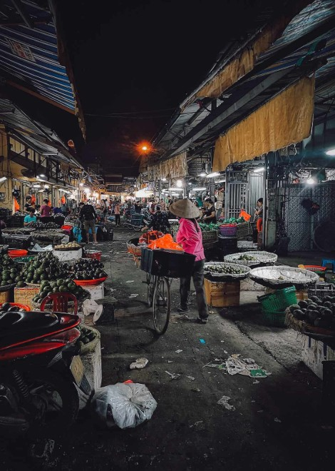Explore Hanoi's food markets in the early hours with a chef