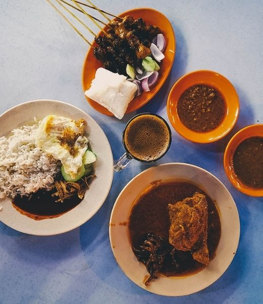 Best spots for a proper Malaysian breakfast in Kuala Lumpur header image