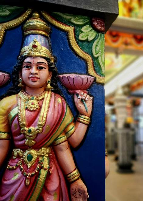 Exploring the colourful temples around Jalan Besar