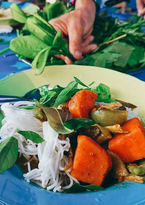 Vegetarian rice noodles packed with herbs