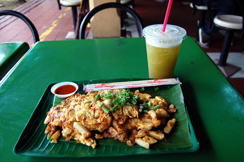 Fried carrot cake - best hawker food in Singapore