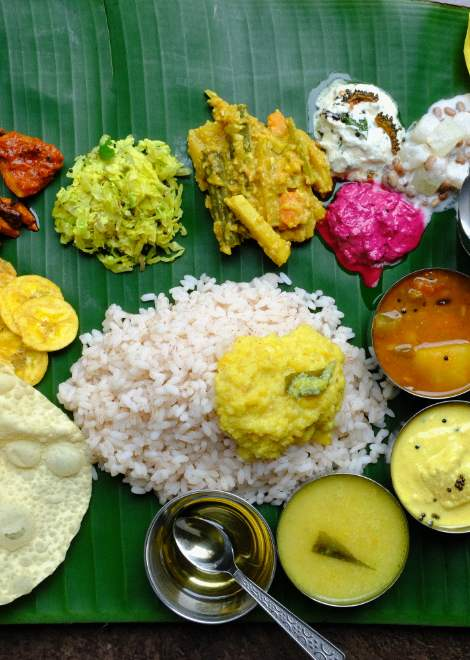 Enjoy a traditional banana-leaf Kerala lunch