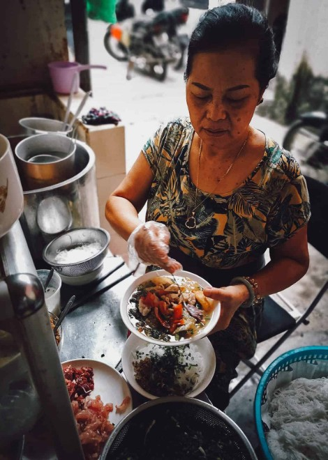 Private Hanoi street food tour led by a chef