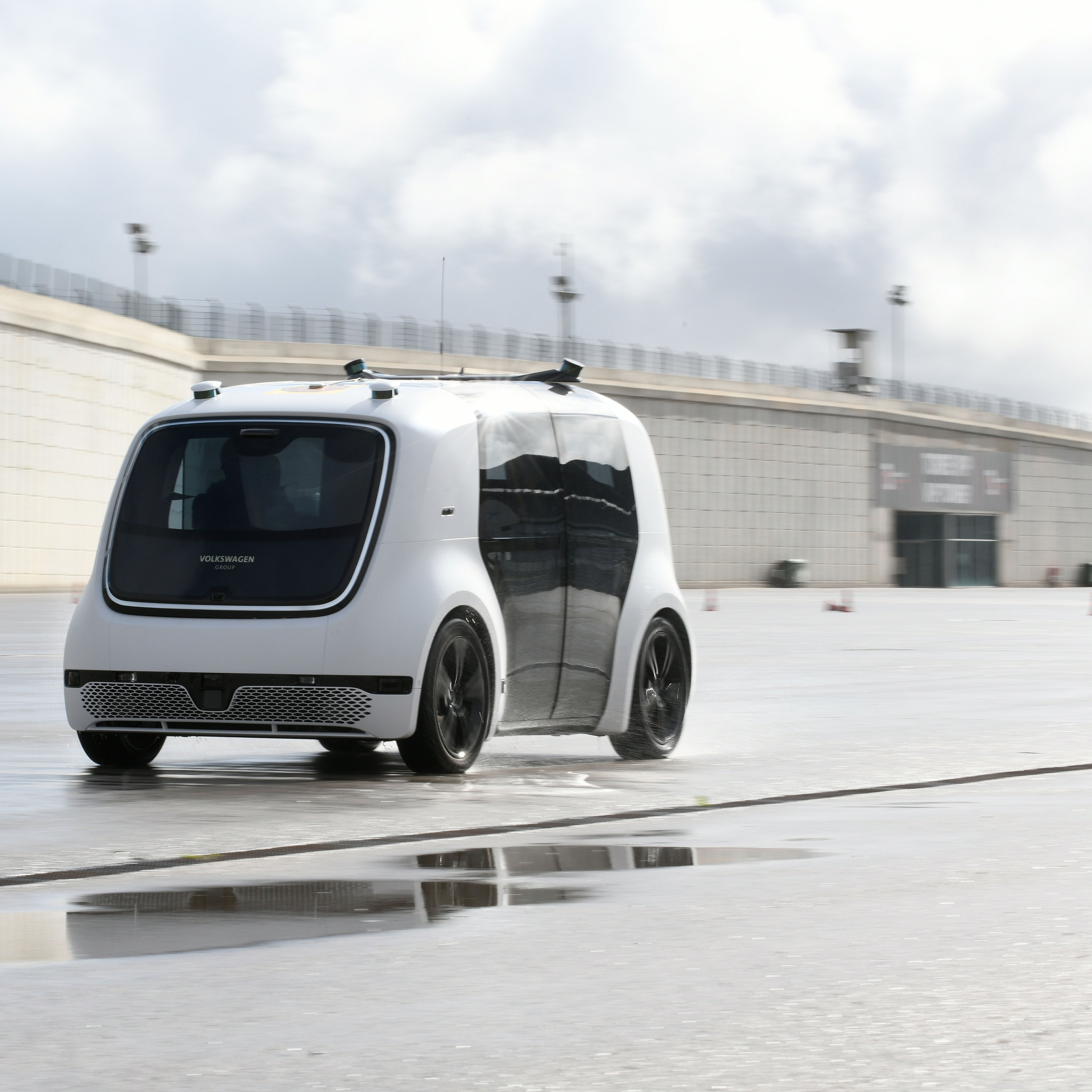 The Volkswagen Sedric autonomous vehicle driving