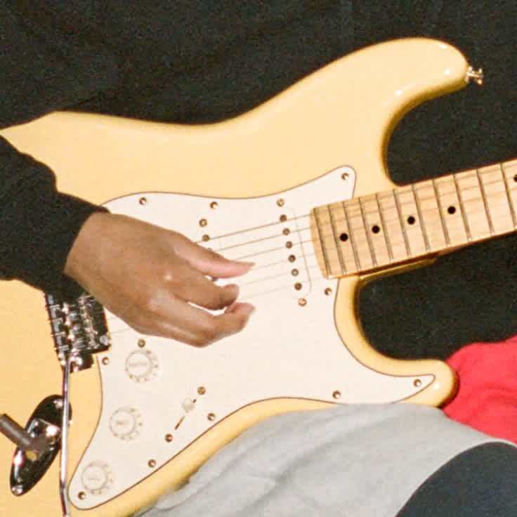 Watch Melanie Faye Demo the Player Series Stratocaster