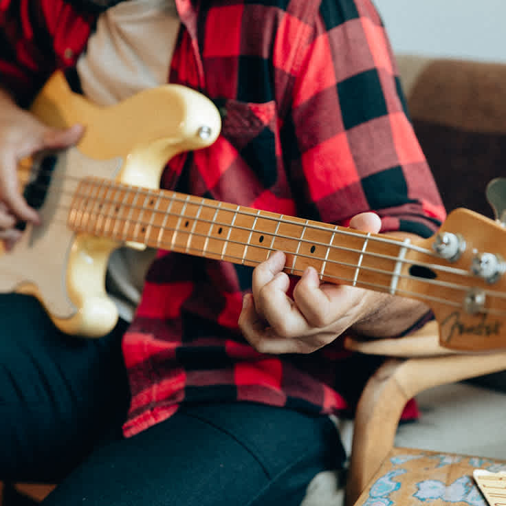 10 Easy Songs to Learn on Bass