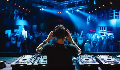 Kneipentour & VIP-Nachtclub (Story Club)