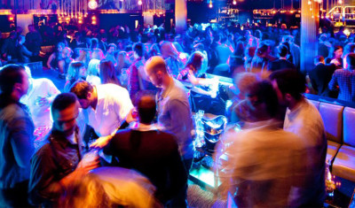 VIP-Nachtclub (Tisch + Getränke)