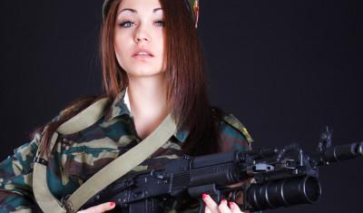 Spark Røv med AK-47