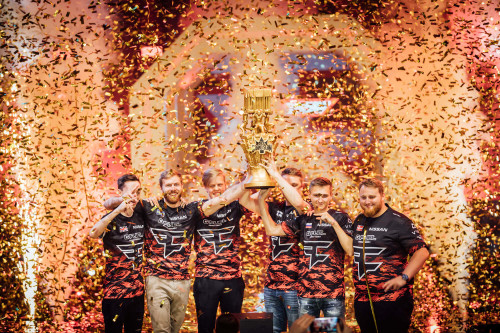 What are online esports?