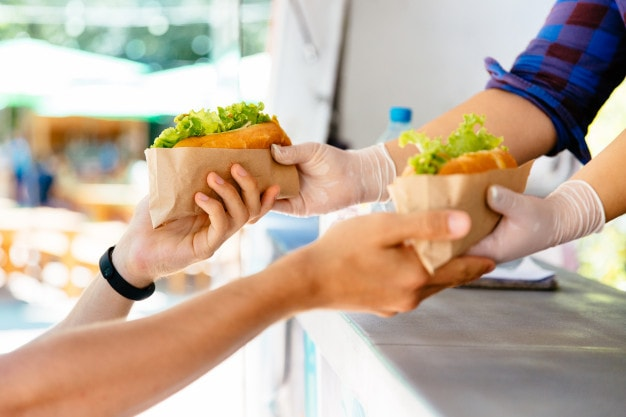 Tips for hiring food truck employee