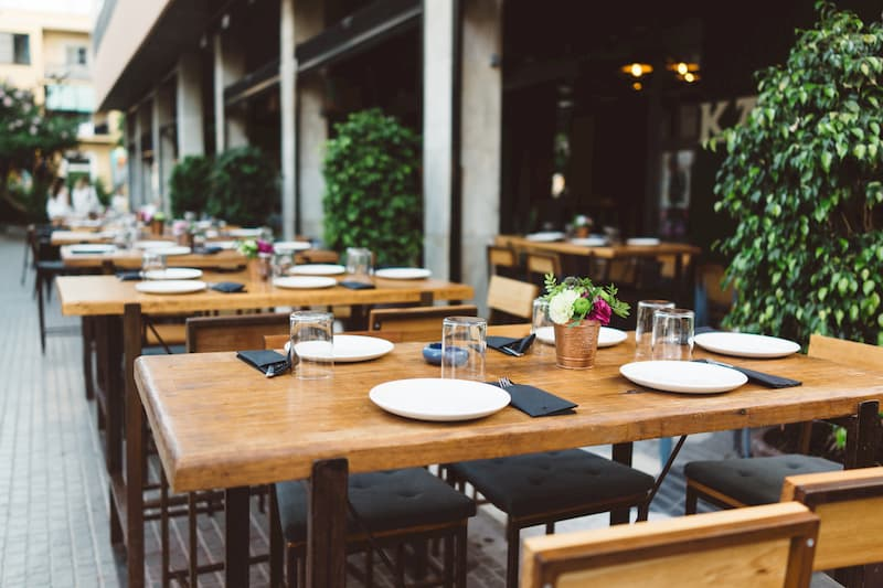outdoor seating best practices for restaurants during covid