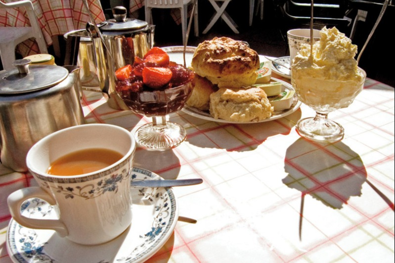 Afternoon tea in London for 7,800 Avios