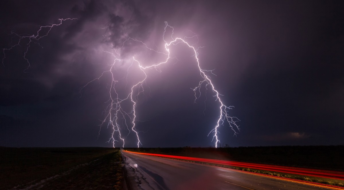 Interview: Weather Photographer & Storm Chaser Kelly DeLay