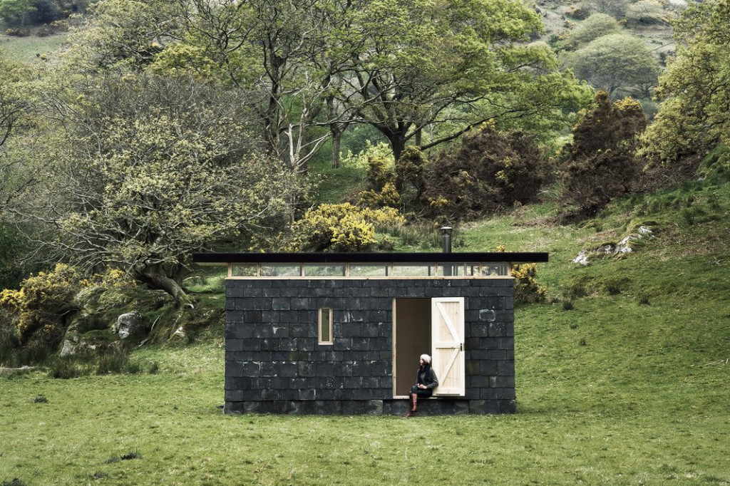 An Austere Off-Grid Cabin in Wales Relies on Reclaimed Slate