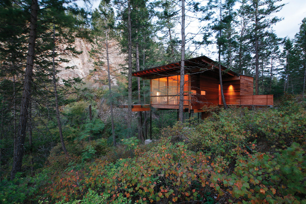 Montana's Flathead Lake Treehouse Is as Functional as it Is Creative