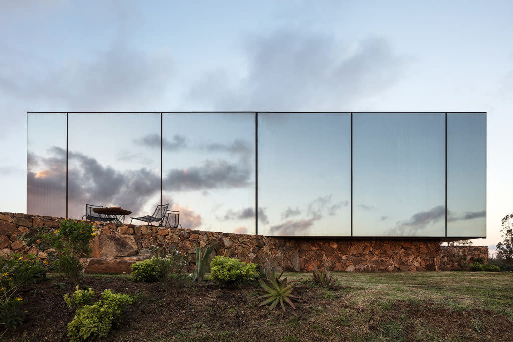 Architectural Inspo: A Mirrored Oasis in Uruguay