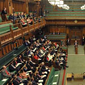 The clerk of the House Robert Rogers giving an induction to new MPs in the House of Commons chamber after the 2015 general election.