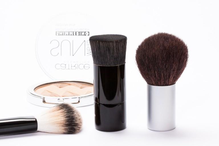 Podstawą w perfekcyjnym makijażu są dobrze dobrane kosmetyki. Podstawą jest puder - jak go dobrać?